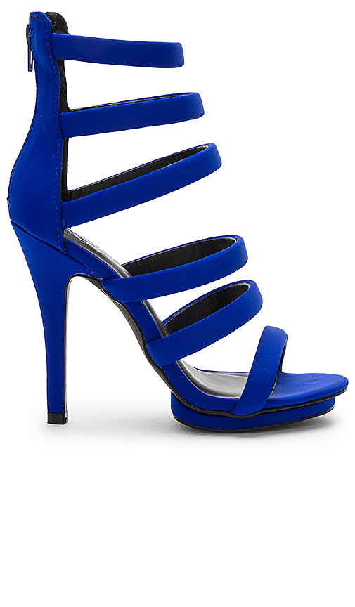by the way Frankie Heel in Royal