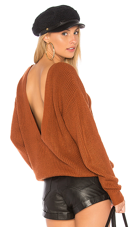 Callahan Shaker V Back Sweater in Rust. - size S (also in L,M,XS)