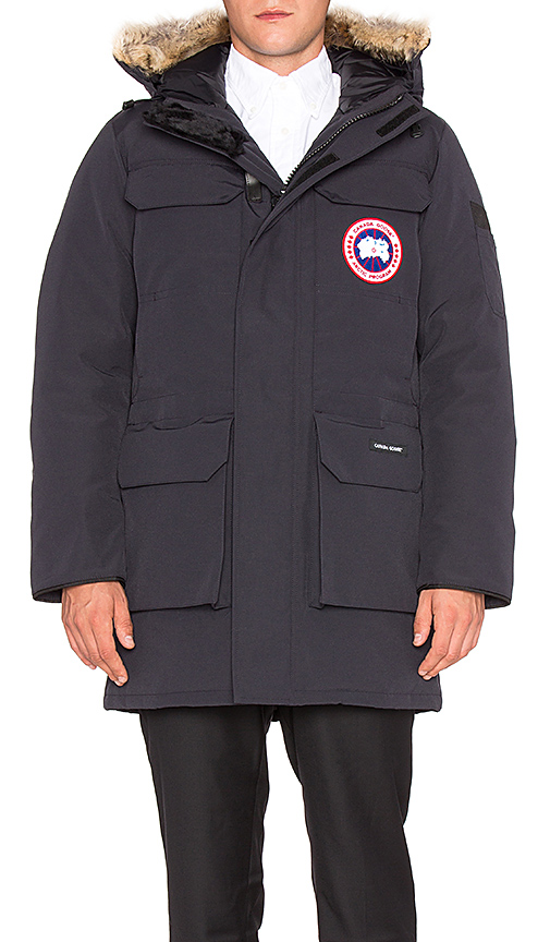 Canada Goose Citadel Coyote Fur Trim Parka in Navy. - size L (also in S)