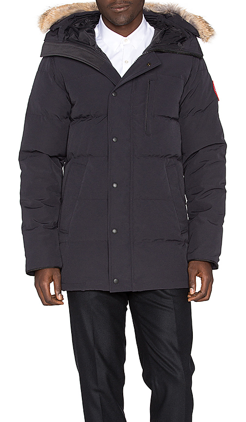Canada Goose Carson Coyote Fur Trim Parka in Navy. - size S (also in L,M,XL)