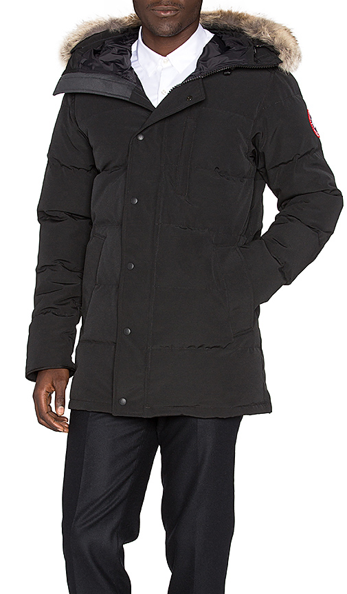 Canada Goose Carson Parka with Coyote Fur Trim in Black. - size L (also in S,XL)