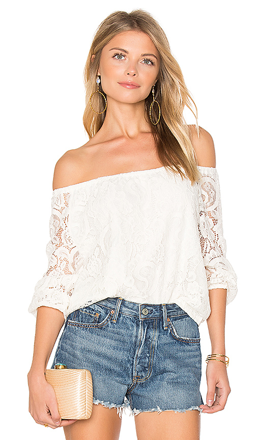 cupcakes and cashmere Karla Top in White. - size L (also in M)