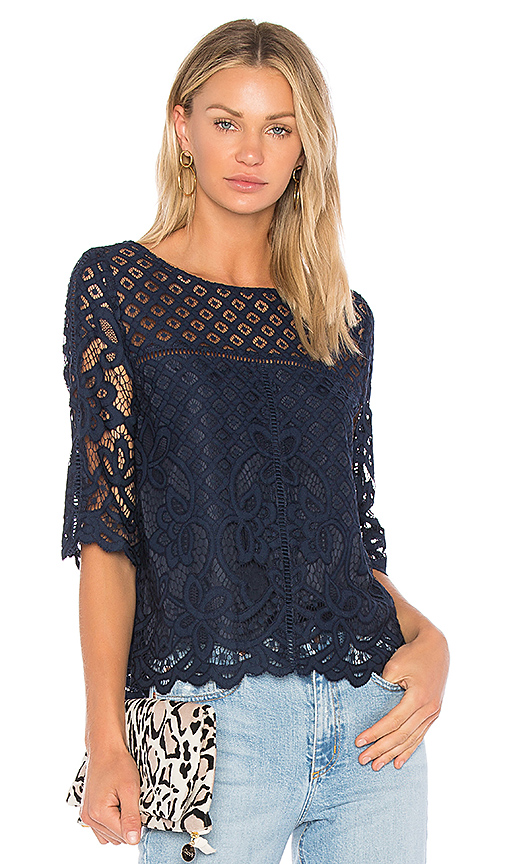 cupcakes and cashmere Andrie Top in Navy
