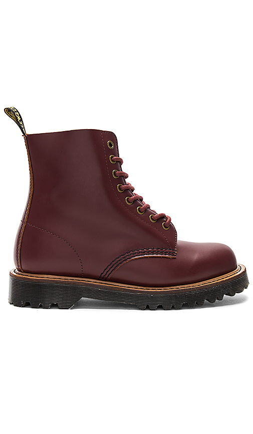 Dr. Martens Pascal II Boot in Burgundy. - size 8 (also in 10,6,7,9)