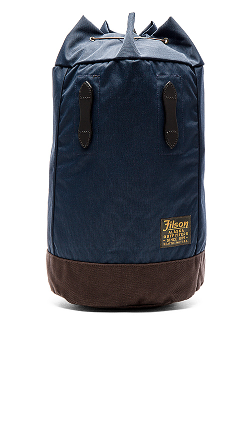 Filson Small Pack in Navy.