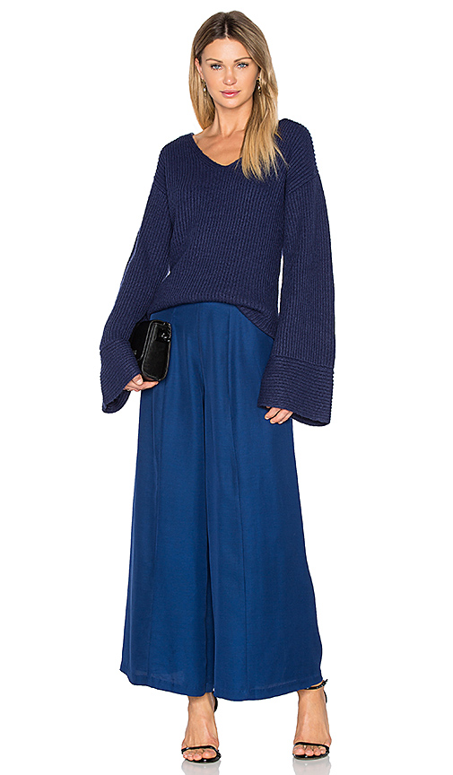 Finders Keepers Frederick Flare Sleeve Knit in Blue. - size L (also in M,S)