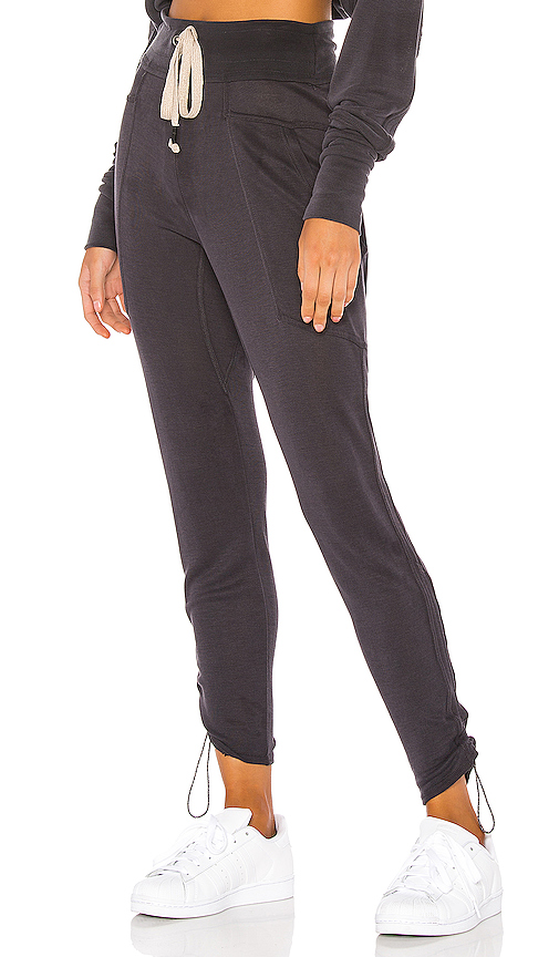 FREE PEOPLE | Free People Movement Ready Go Pant In Black. - Size XS (Also In L,M,S) | Goxip