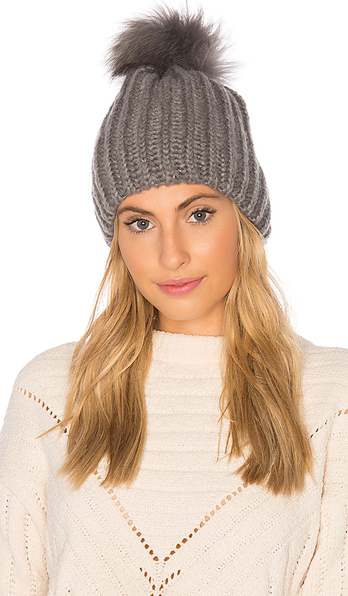 HEARTLOOM Julie Beanie With Raccoon Fur in Gray