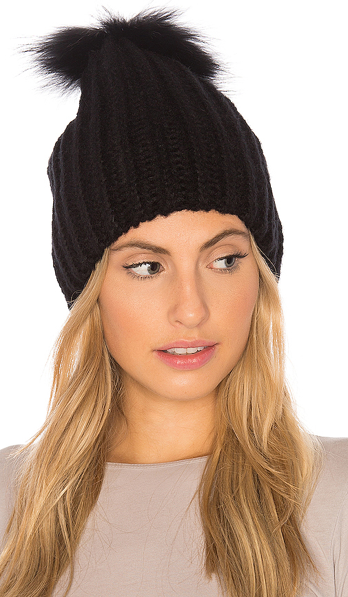 HEARTLOOM Julie Beanie With Raccoon Fur in Black
