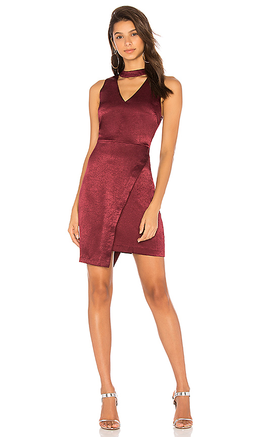 JOA Asymmetric Hem Choker Neck Dress in Wine