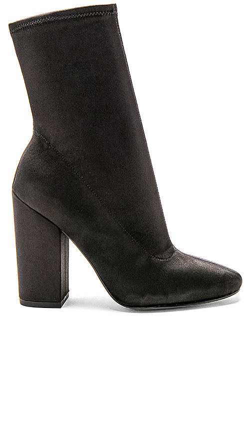KENDALL + KYLIE Hailey Bootie in Black