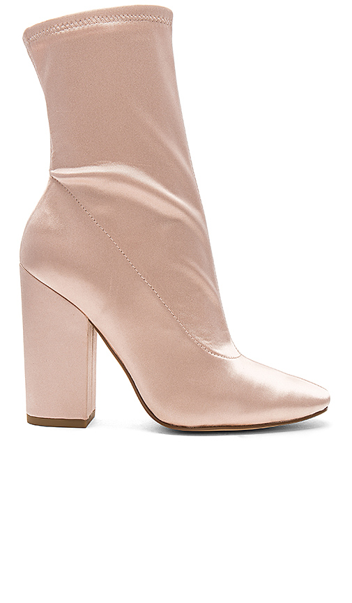 KENDALL + KYLIE Hailey Bootie in Blush