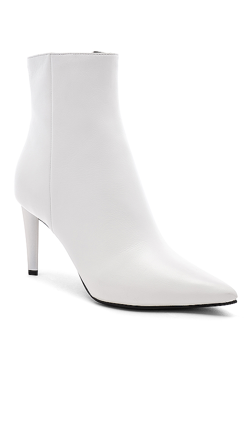 KENDALL + KYLIE Zoe Boot in White