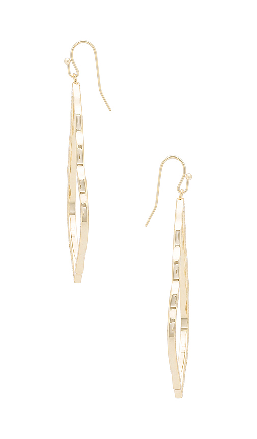 Kendra Scott Sophee Earrings in Metallic Gold.