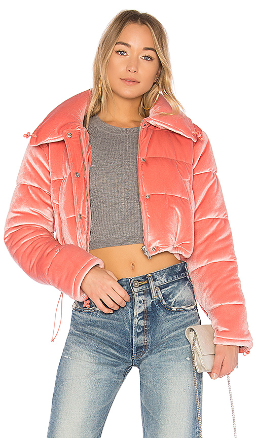 Lovers + Friends x REVOLVE Dee Cropped Puffer in Pink. - size L (also in S,XXS, XS,M)