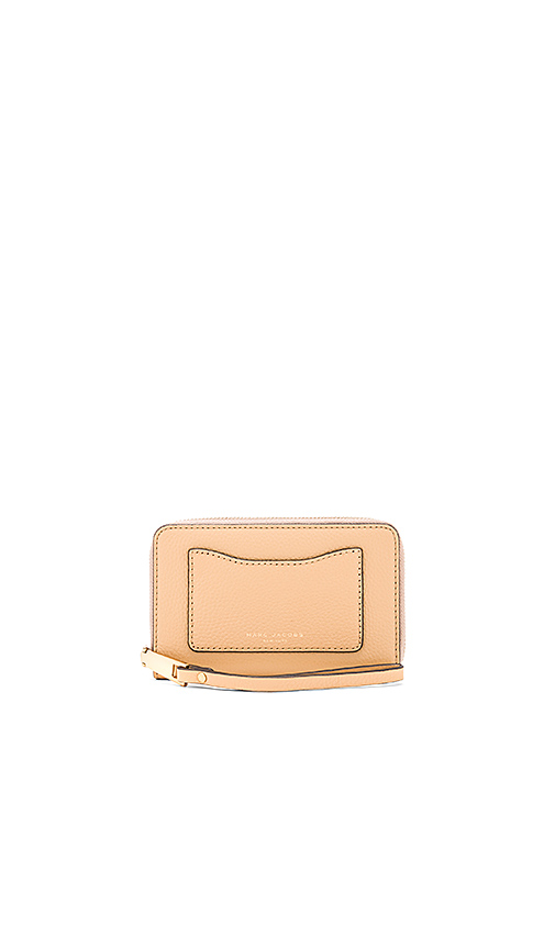 Marc Jacobs Recruit Zip Phone Wristlet in Tan