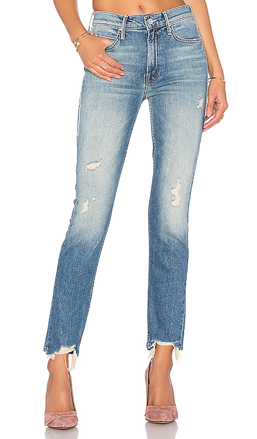 Рваный низ джинсов