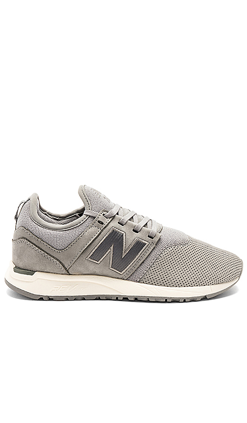 New Balance 247 Sneaker in Gray