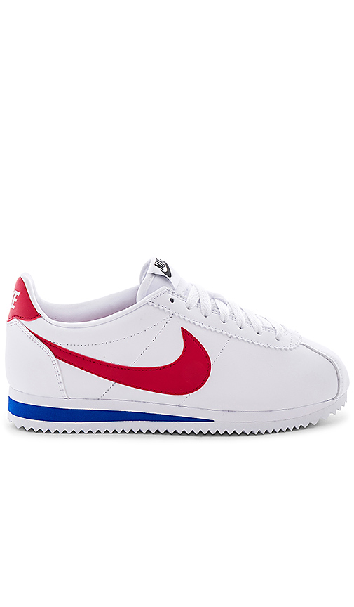 Nike Classic Cortez Leather Sneaker in White. - size 6 (also in 10,5,5.5,6.5,7,7.5,8,8.5,9,9.5)
