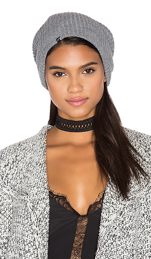 Plush Ribbed Beanie in Gray