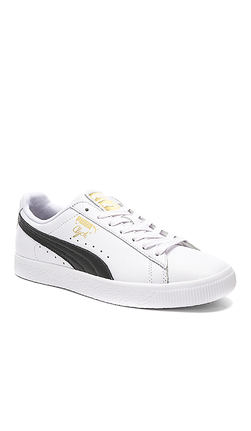 244f179cdb2 PUMA Men S Clyde Core L Foil Casual Shoes