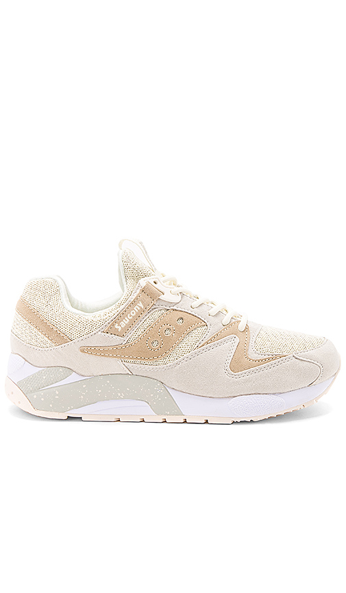 Saucony Grid 9000 Knit in Cream. - size 7.5 (also in 10,10.5,11,7,8,8.5,9,9.5)