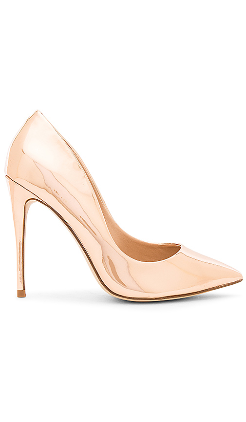 Steve Madden Daisie Metallic Pump in Metallic Copper