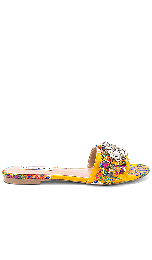 Steve Madden Pomona Slide in Yellow