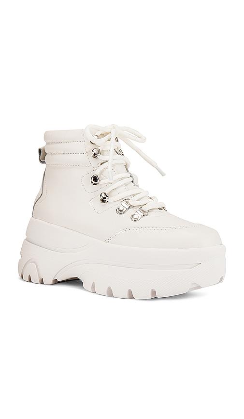 Steve Madden Husky Boot in White