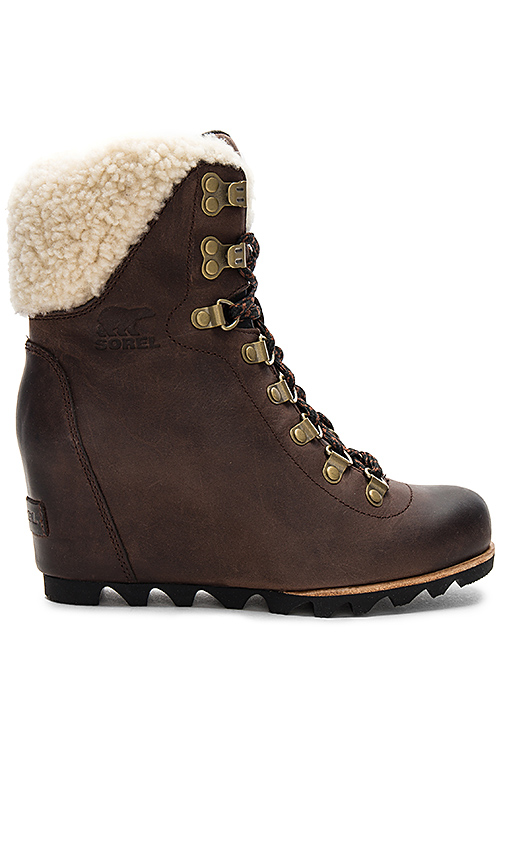 Sorel Conquest Wedge Shearling in Brown