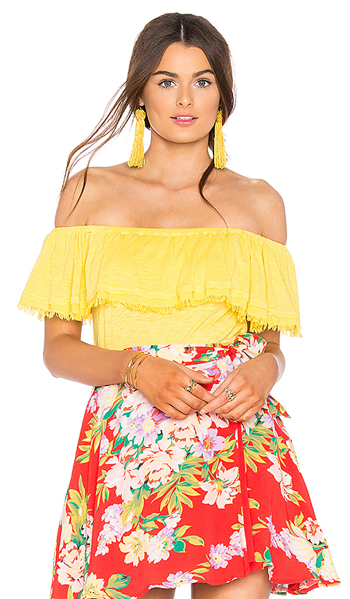 Splendid Off Shoulder Ruffle Top in Yellow. - size L (also in M,S,XS)