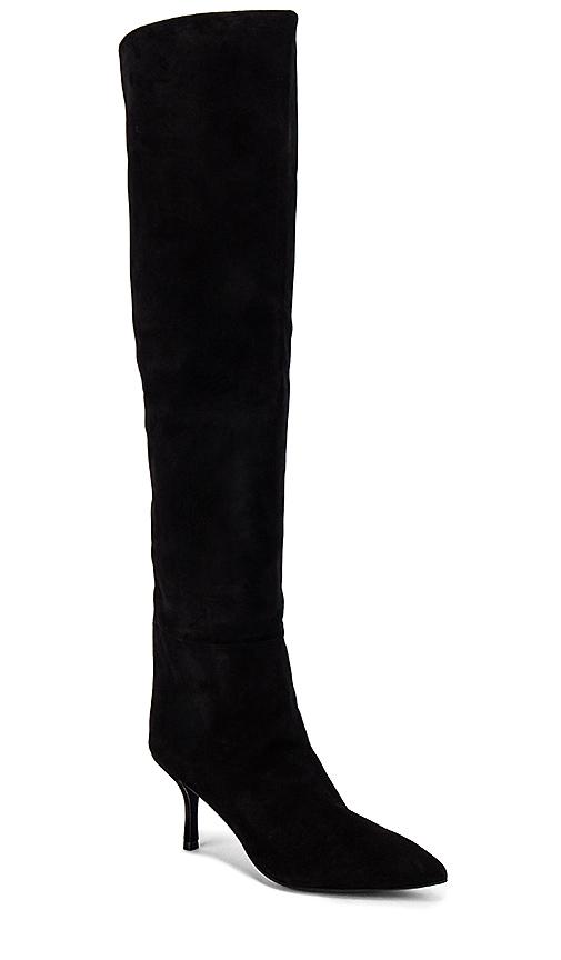 Stuart Weitzman Millie Boots in Black. - size 8
