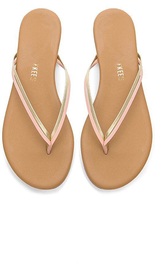 TKEES | TKEES Duos Sandal In Metallic Gold. - Size 9 (Also In 5,6,7,8) | Goxip