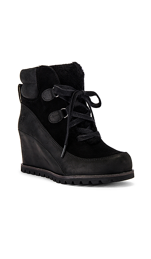 UGG Valory Boots in Black