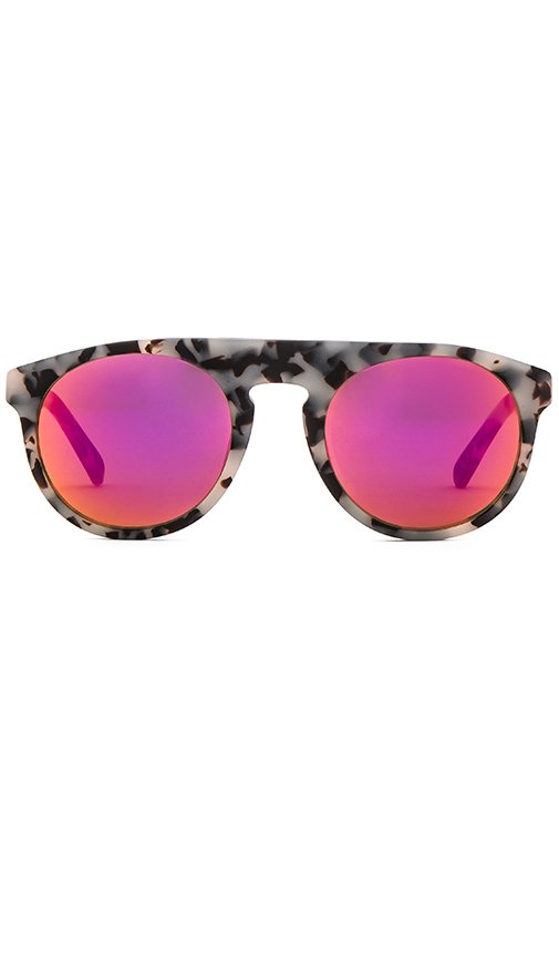 WESTWARD LEANING Atlas 18 Sunglasses in Beige