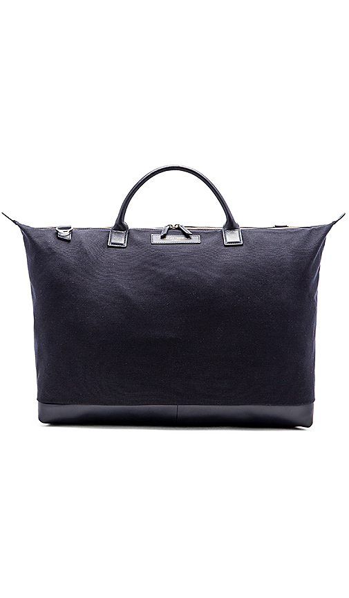 WANT Les Essentiels Hartsfield in Navy.