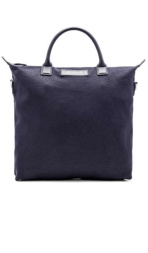 WANT Les Essentiels O'Hare in Navy.