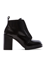 Layer Boot Hide in Black