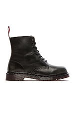 Pascal 8 Eye Boot in Black