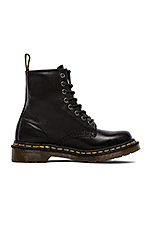 Iconic 8 Eye Boot in Black