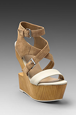 Jester Wedge in Nude
