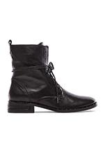 Roam Boot in Black Calf