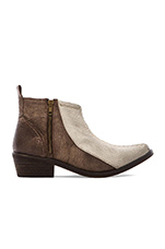 Flying Ranch Ankle Boot in Bone Combo