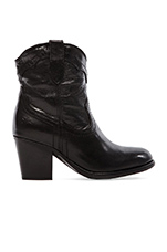 Tabitha Pull On Short Boot in Black