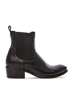 Carson Chelsea Boot in Black