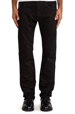 Defend Straight Comfort Black Edington Denim in 3D Raw