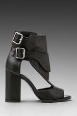 Garin Heel in Black
