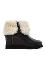 La Volta Deluxe Boot with Fur in Black