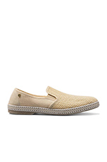 Classic  Shoe in Beige