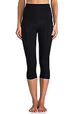 Breathe & Stretch Jocelyn Capri in Black